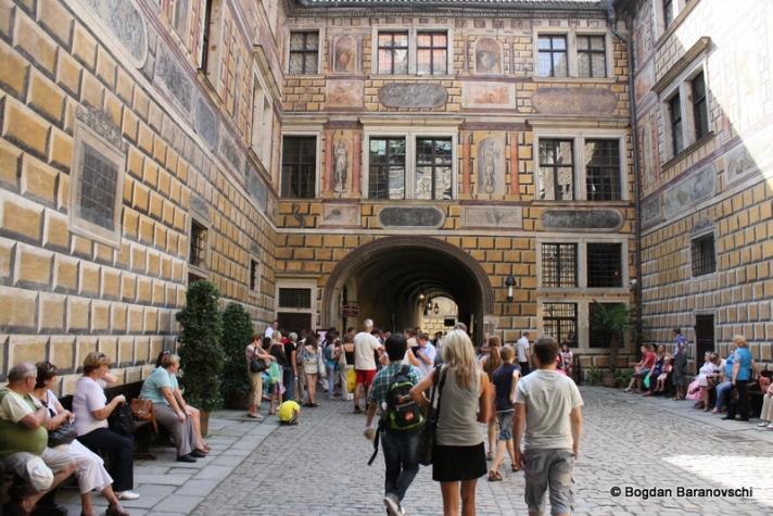 Altă curte interioară din complexul Castelului